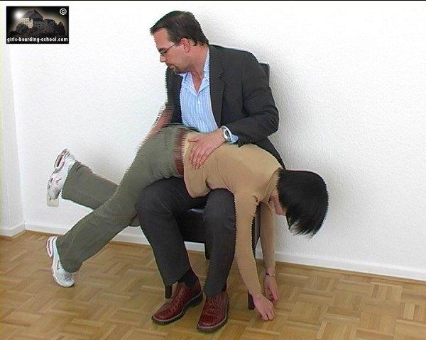 Roll a spank