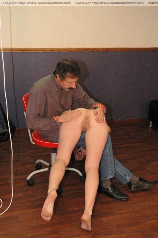 roliki-spanking